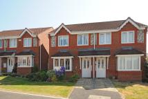 3 bedroom semi detached property in Hawthorne Close, Thatcham