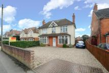 3 bed Detached home in Bath Road, Thatcham