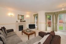 2 bed Flat for sale in Old Windsor, Berkshire