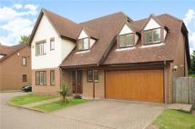 Detached property in Brinklow Court...
