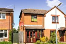 2 bed property to rent in High Grove, St. Albans...