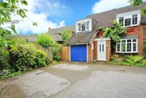 3 bed semi detached house in Winkfield Road, Ascot