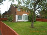 3 bed End of Terrace home to rent in Queens Drive, Swindon