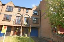 Town House to rent in Green Ridges, Headington