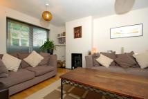 2 bed Terraced property in Henley-on-thames...