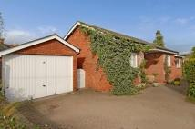 2 bed Detached Bungalow in Henley-on-Thames...