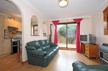 1 bedroom End of Terrace house to rent in Stokenchurch...