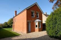 2 bedroom Detached property in Newbury, Berkshire