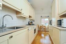 Apartment to rent in Richmond, Surrey