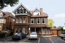 2 bedroom Apartment to rent in East Twickenham...
