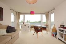Apartment to rent in Kew, Surrey