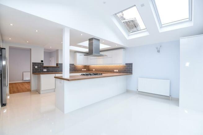 Kitchen / open plan area