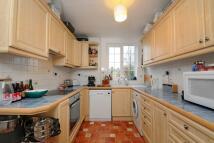 Apartment to rent in Park Road, Twickenham