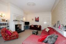 3 bed Apartment to rent in St Margarets, Twickenham