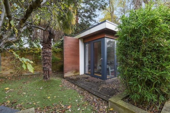 Annexe with ensuite shower room