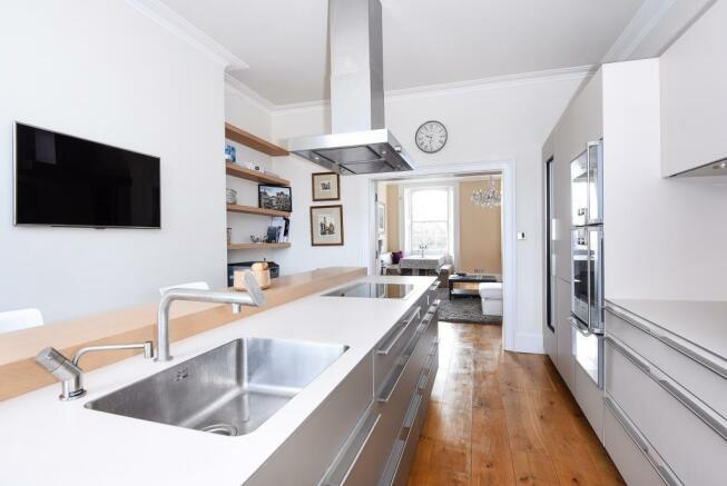 Kitchen (shot 3)