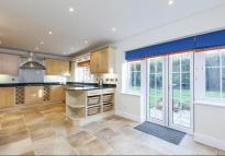 5 bedroom Detached house to rent in Long Ditton, Surbiton