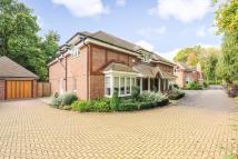 5 bedroom Detached house in Morningside Close...