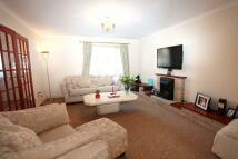 4 bedroom property in Lynton Close, Sully, CF64
