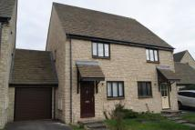 3 bed semi detached property in Witney, Donnington Close