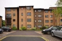 2 bedroom Apartment to rent in The Rowans, Woking