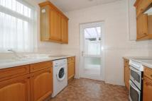 Semi-Detached Bungalow to rent in Stanmore, Kenneth Gardens