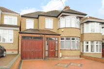 5 bed semi detached property to rent in WOODCROFT AVENUE...
