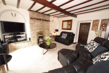 3 bed Cottage for sale in 4 Barrows Lane, Steeton,