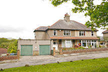 4 bedroom semi detached house in Fair View, Harewood Road...