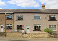 3 bed Town House for sale in 47 East Parade, Steeton,