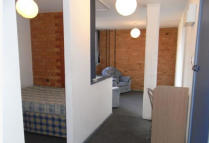 1 bedroom Studio apartment in Queen Street, Leicester...