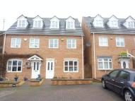 3 bed Town House in Pattenham Close...