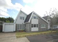 Detached Bungalow in 21 Ffrwd Vale, Neath