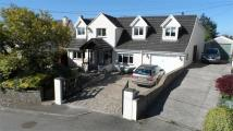 Detached house in Hollygrove, Trerhyngyll...