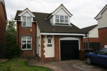 3 bed Detached property in Ascott Gardens...