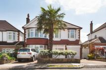 4 bedroom Detached property in Oaklands, Winchmore Hill