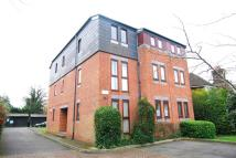 2 bed Flat to rent in Uplands Park Road...