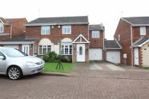 3 bedroom semi detached property in Beaconglade...