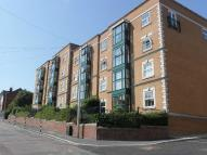 3 bedroom Flat to rent in Drake House...