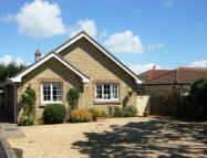 5 bed Bungalow in Warlands Lane, Shalfleet...