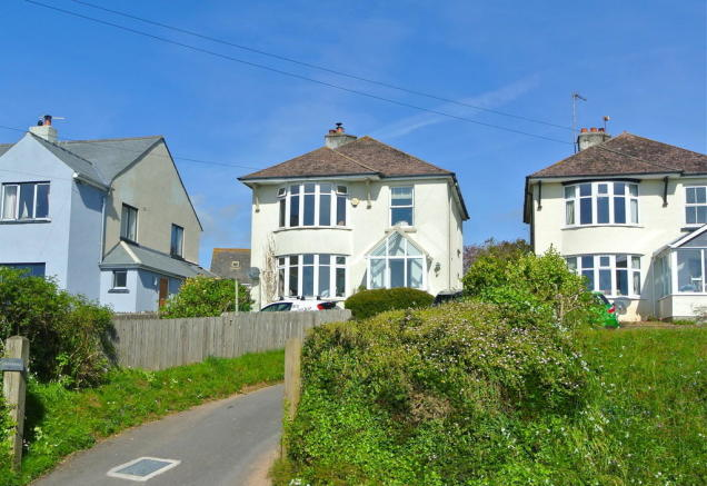 3 bedroom detached house for sale in underhill dartmouth