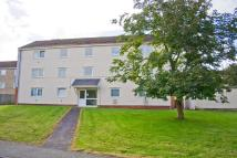 2 bed Ground Flat in 93 Goshawk Road...