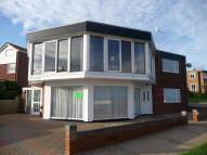 2 bedroom Flat in Cliff Road, Felixstowe