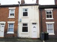 2 bed Terraced house in Henry Street...