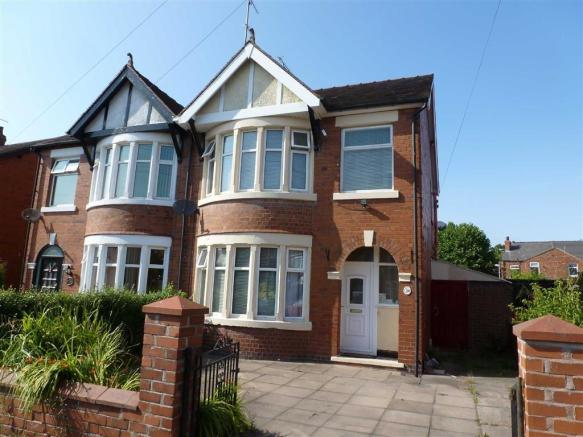 3 bedroom semi detached house for sale in tynedale avenue for Kitchen ideas 3 bed semi