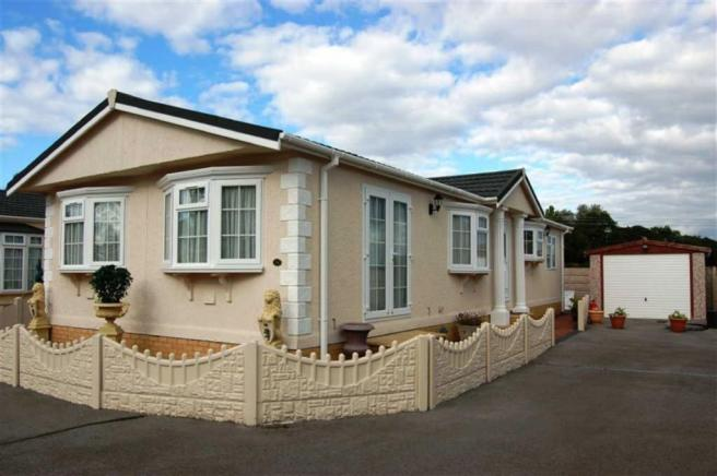 2 Bedroom Detached Bungalow For Sale In Boothstone Park Yarnfield