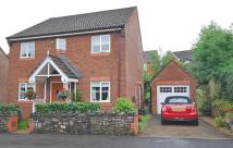 4 bedroom Detached property in Harlech Drive, Rhiwderin...
