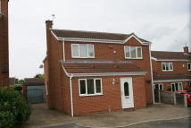 4 bed Detached property in Hallview Road, Rossington