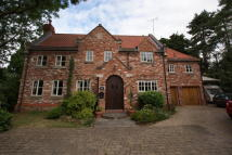 4 bed Detached home for sale in Elm Croft, Tickhill