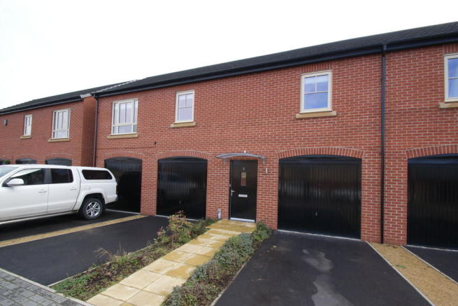 2 bedroom town house for sale in 2 carina drive balby